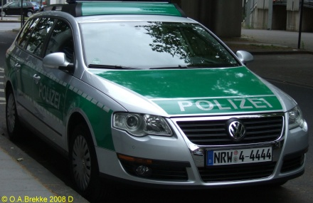 Germany police series NRW 4-4444.jpg (59 kB)