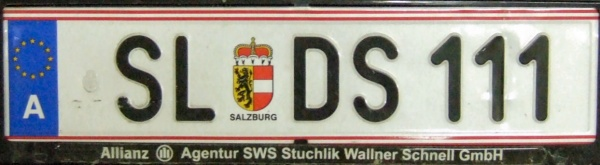 Austria personalized series close-up SL DS 111.jpg (49 kB)