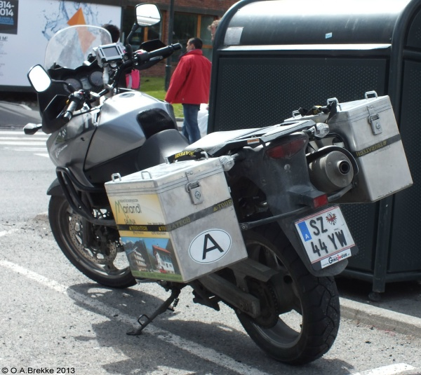 Austria normal series motorcycle SZ 44 YW.jpg (142 kB)
