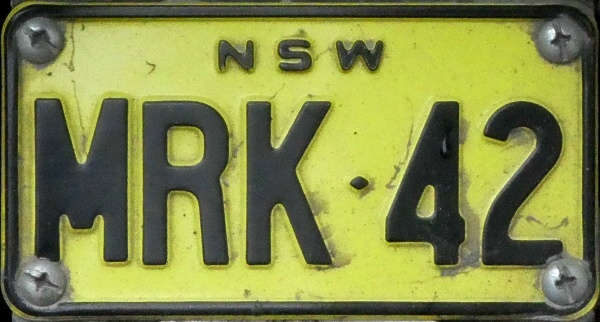 Australia New South Wales motorcycle series close-up MRK·42.jpg (117 kB)