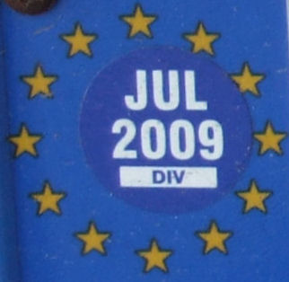 Belgium close-up of the EU-stars with month and year of expiry (27 kB)