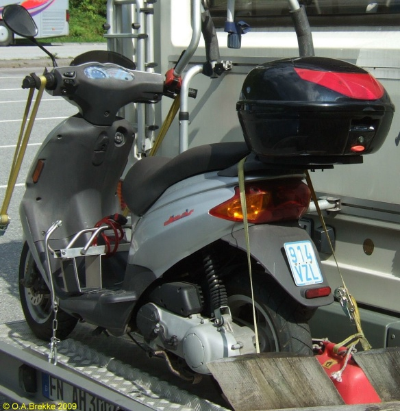 Germany moped series 914 VZL.jpg (149 kB)