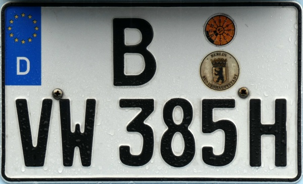 Germany historical series close-up B VW 385 H.jpg (117 kB)