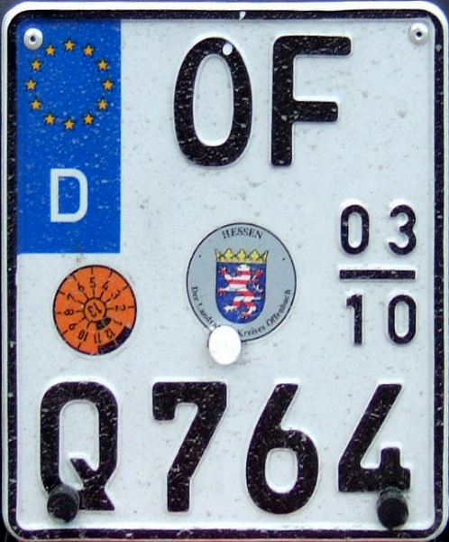 Germany seasonal motorcycle plate close-up OF Q 764.jpg (131 kB)
