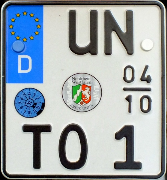 Germany seasonal motorcycle plate close-up UN TO 1.jpg (131 kB)