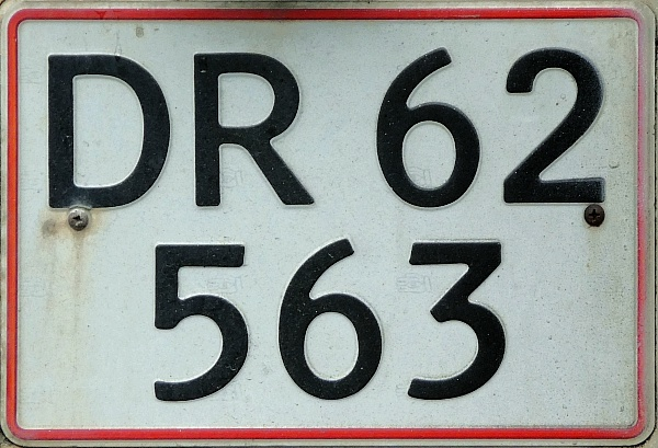 Denmark former private car double line rear plate series DR 62563.jpg (148 kB)