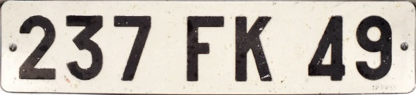 France former normal series front plate close-up 237 FK 49.jpg (37 kB)
