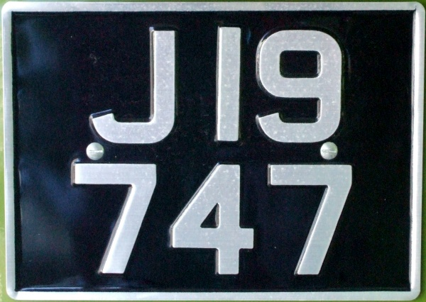 Jersey normal series former style close-up J 19747.jpg (108 kB)