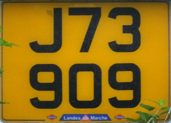 Jersey normal series rear plate close-up J 73909.jpg (98 kB)