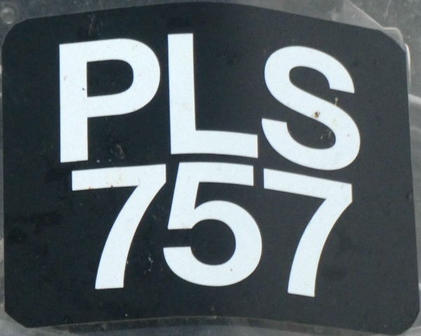 Malaysia normal series motorcycle front plate close-up PLS 757.jpg (113 kB)