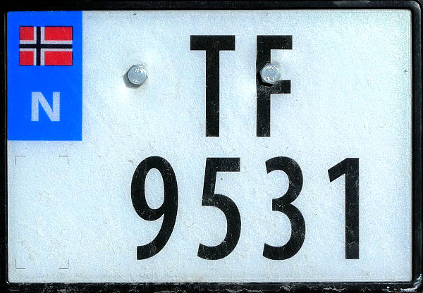 Norway four numeral series former style close-up TF 9531.jpg (102 kB)