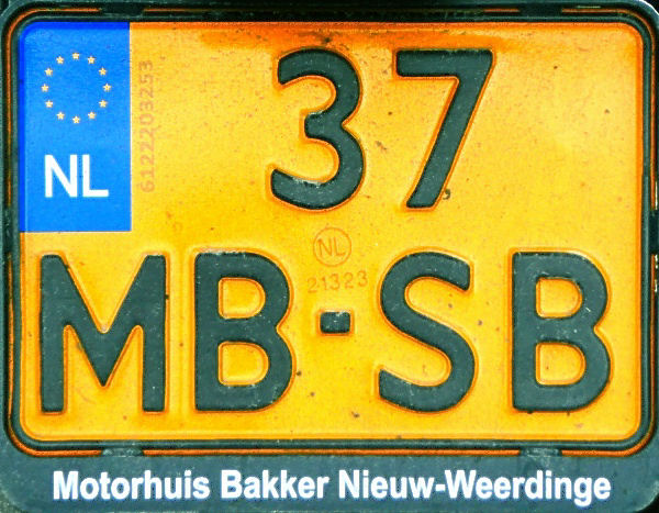 Netherlands motorcycle series close-up 37-MB-SB.jpg (127 kB)
