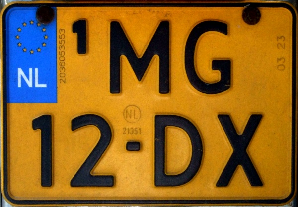 Netherlands replacement plate former motorcycle series close-up MG-12-DX.jpg (109 kB)