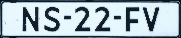 Netherlands repeater plate close-up NS-22-FV.jpg (33 kB)