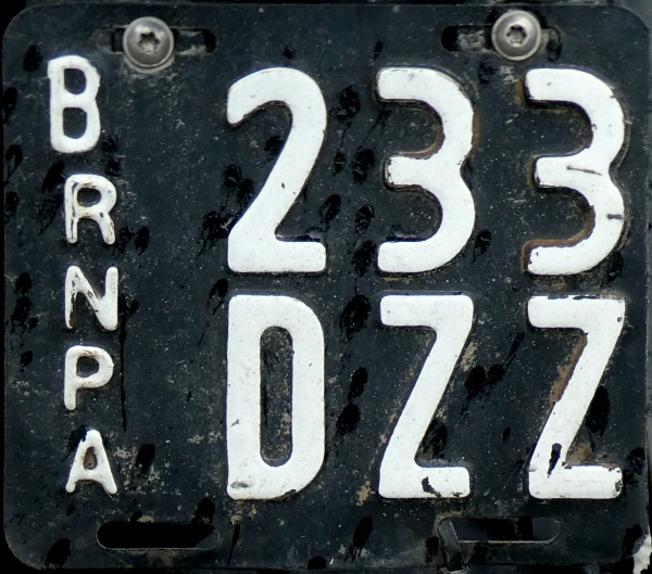 Argentina former motorcycle series close-up B 233 DZZ.jpg (178 kB)