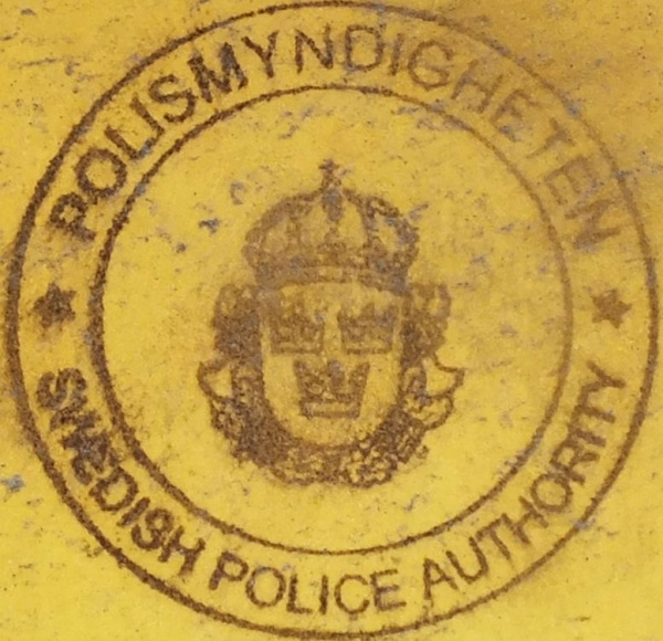 Sweden replacement plate police stamp close-up.jpg (138 kB)